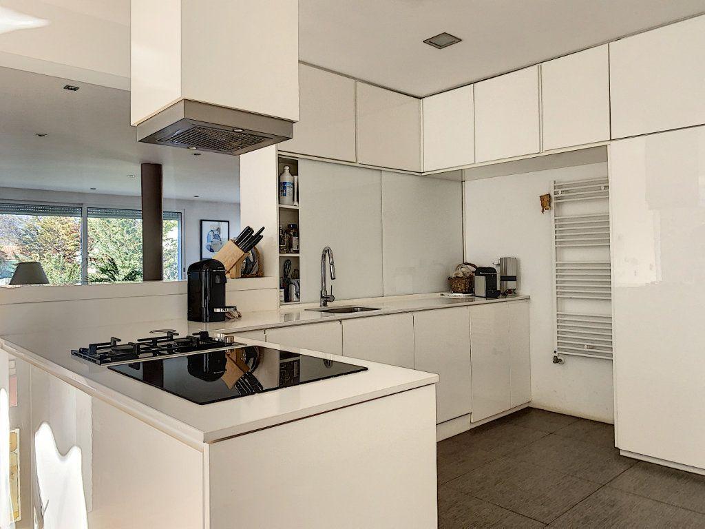 Maison à vendre 5 189.89m2 à Cagnes-sur-Mer vignette-4