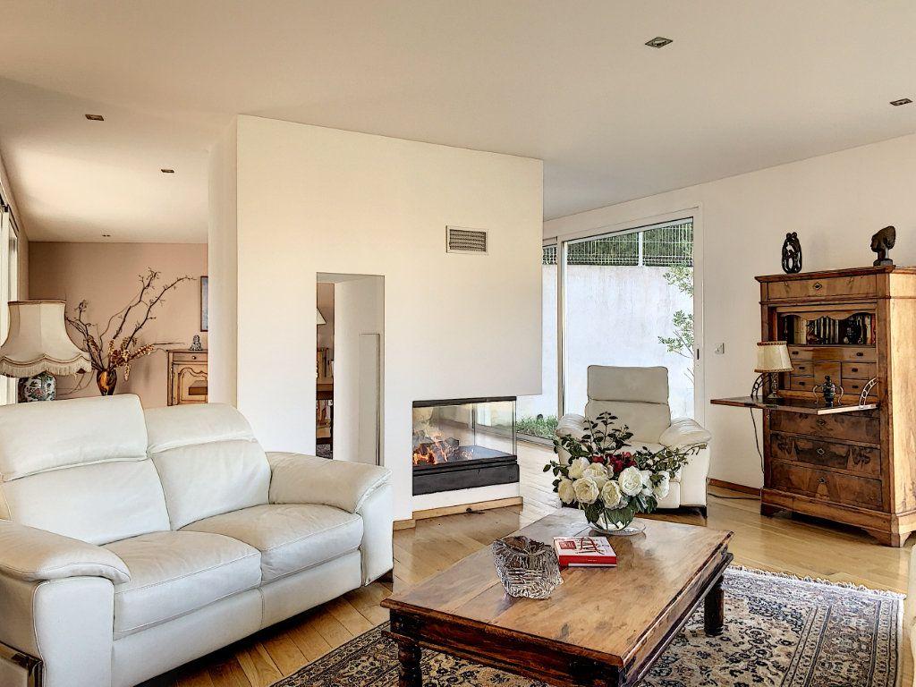 Maison à vendre 5 189.89m2 à Cagnes-sur-Mer vignette-5