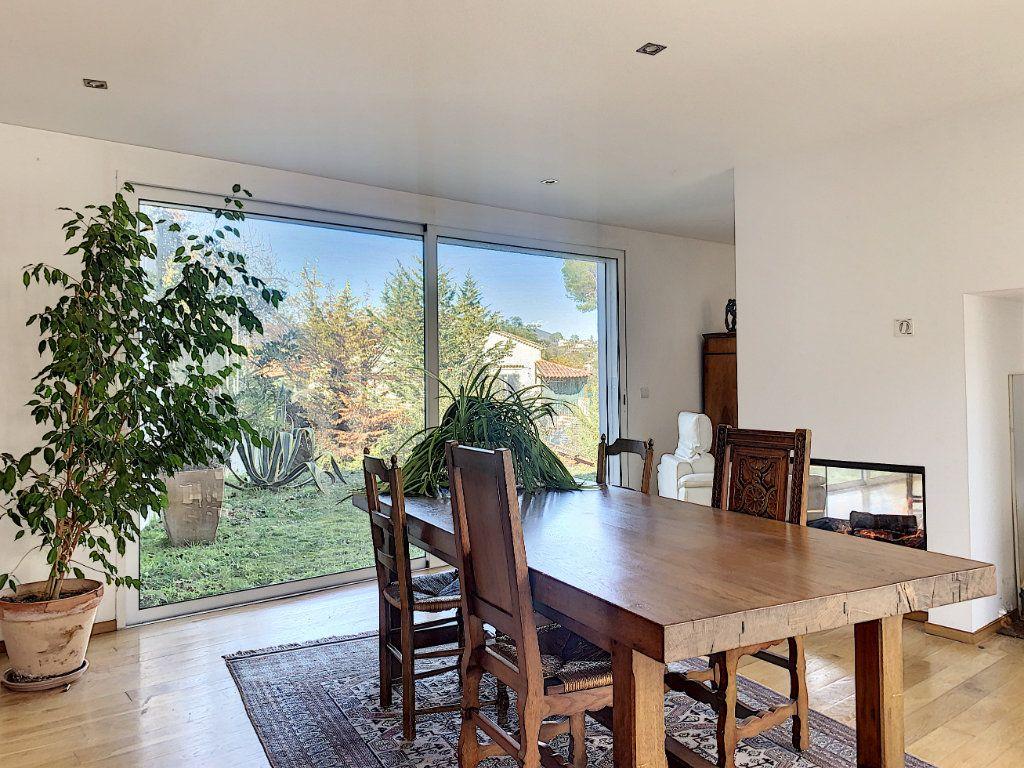 Maison à vendre 5 189.89m2 à Cagnes-sur-Mer vignette-6