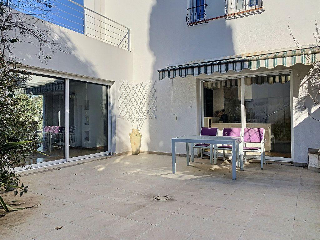 Maison à vendre 5 189.89m2 à Cagnes-sur-Mer vignette-9