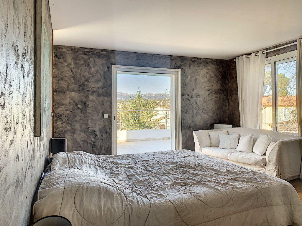 Maison à vendre 5 189.89m2 à Cagnes-sur-Mer vignette-12