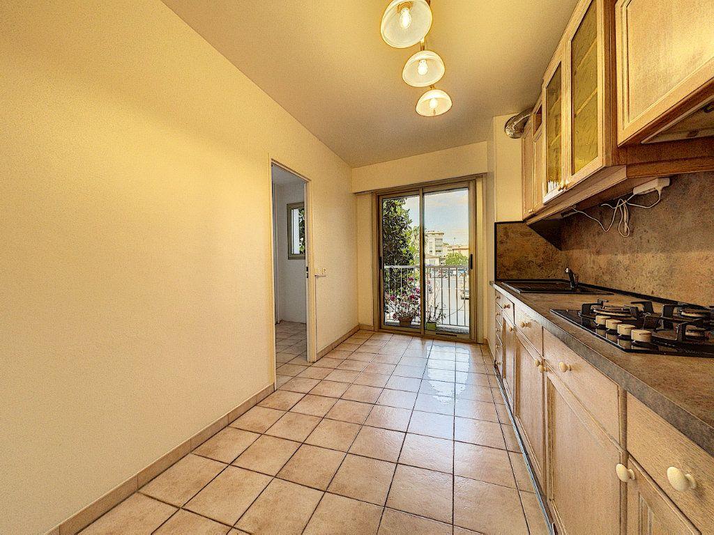 Appartement à vendre 3 83.45m2 à Cagnes-sur-Mer vignette-7
