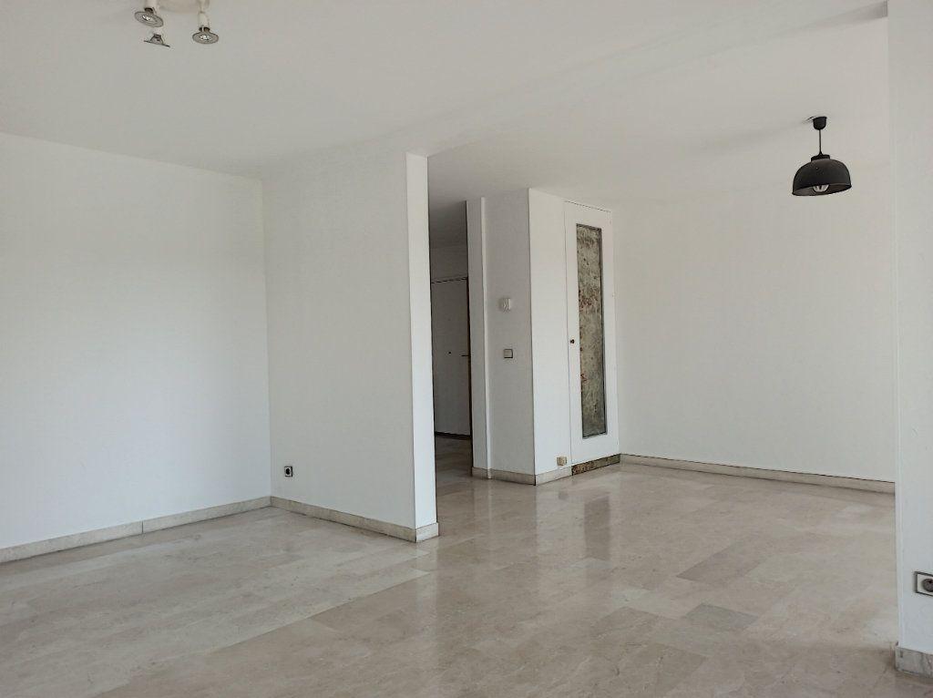 Appartement à vendre 4 89.79m2 à Cagnes-sur-Mer vignette-4