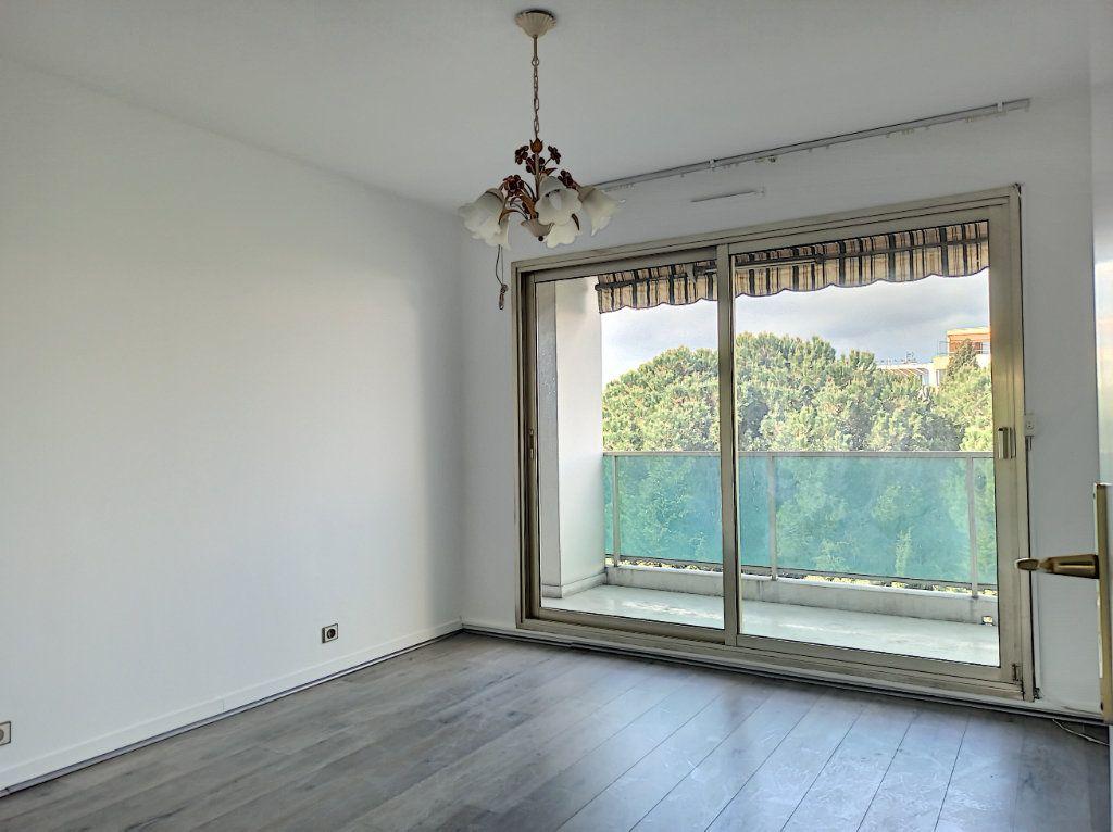 Appartement à vendre 4 89.79m2 à Cagnes-sur-Mer vignette-6