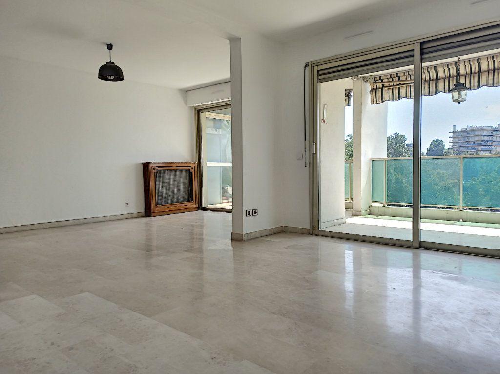 Appartement à vendre 4 89.79m2 à Cagnes-sur-Mer vignette-8