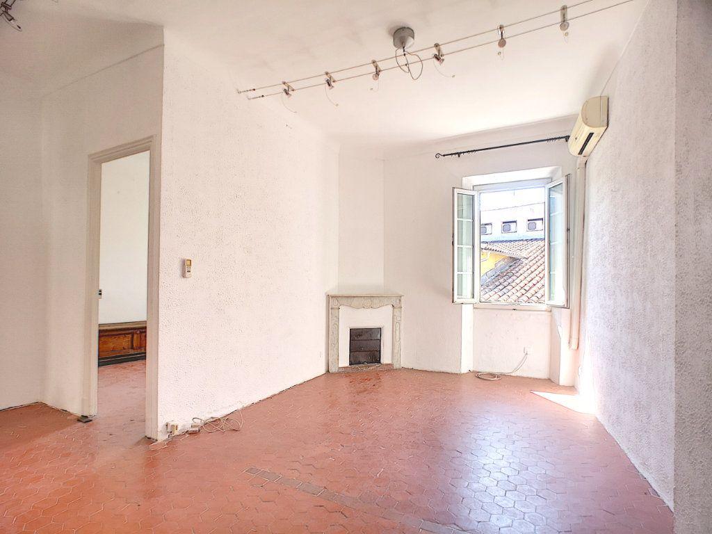 Appartement à vendre 3 60.05m2 à Villeneuve-Loubet vignette-2