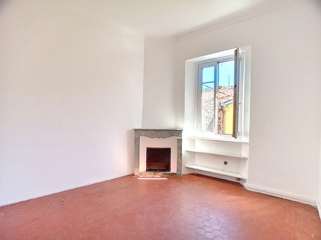 Appartement à vendre 3 60.05m2 à Villeneuve-Loubet vignette-3