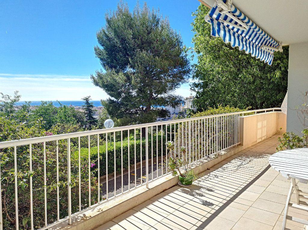 Appartement à vendre 6 105.23m2 à Nice vignette-2