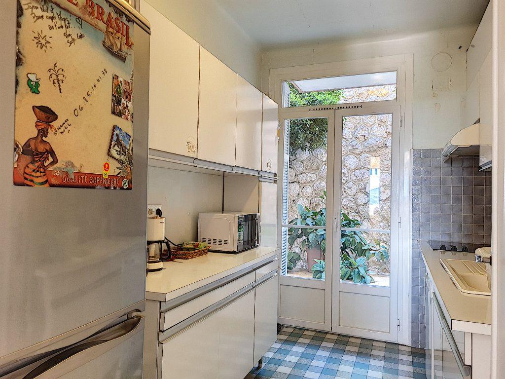 Appartement à vendre 6 105.23m2 à Nice vignette-6