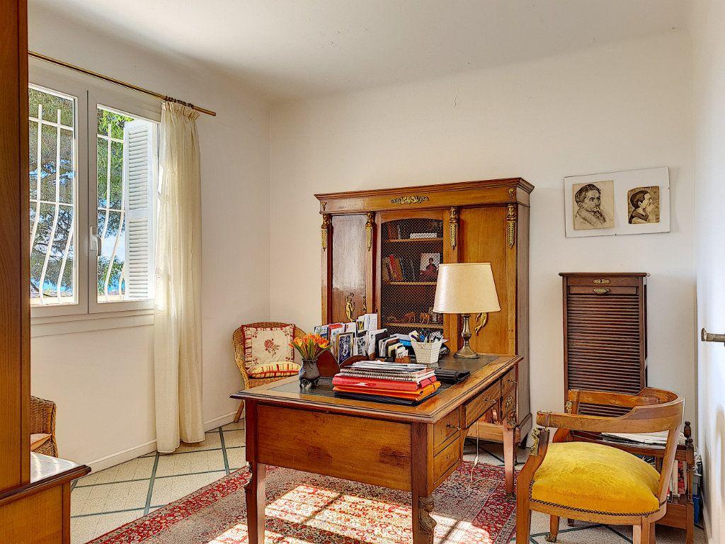 Appartement à vendre 6 105.23m2 à Nice vignette-7