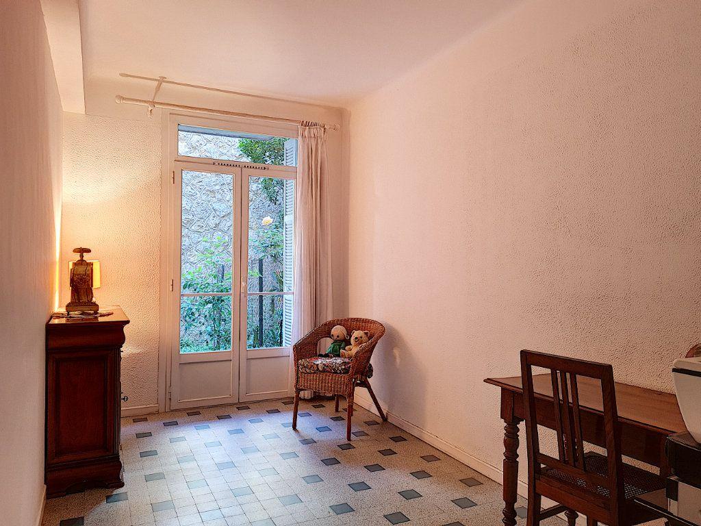 Appartement à vendre 6 105.23m2 à Nice vignette-8