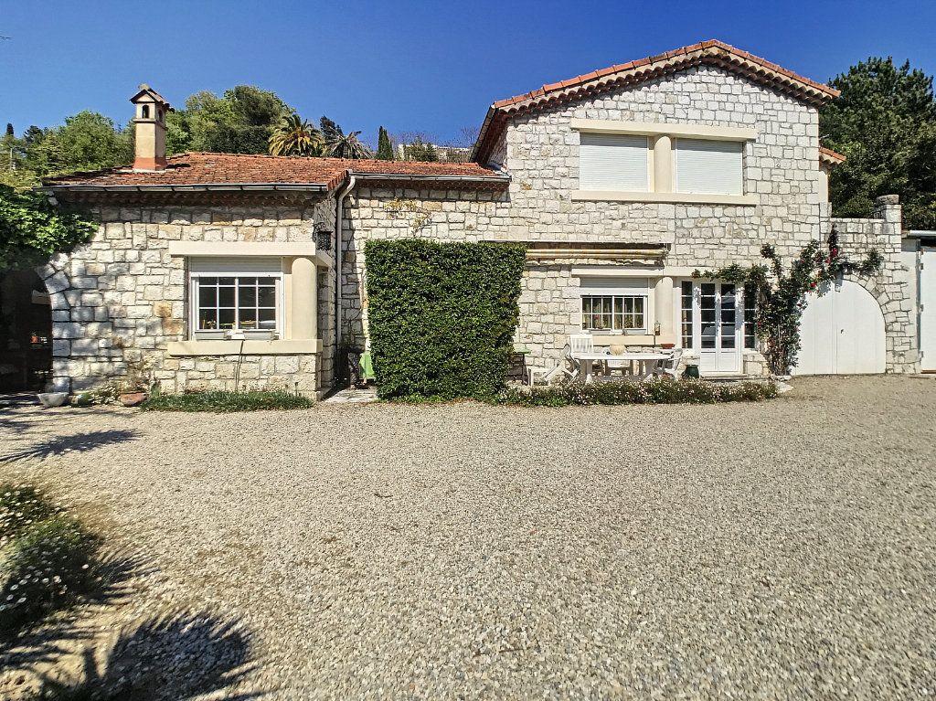 Maison à vendre 5 100m2 à Villeneuve-Loubet vignette-2