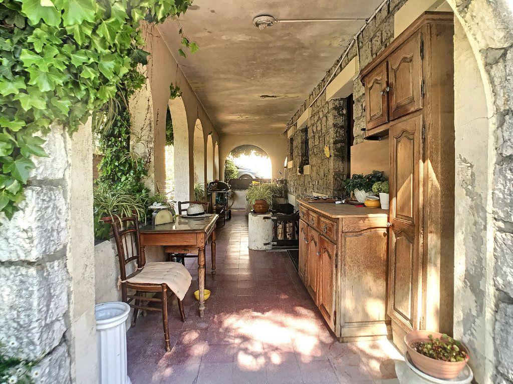 Maison à vendre 5 100m2 à Villeneuve-Loubet vignette-3