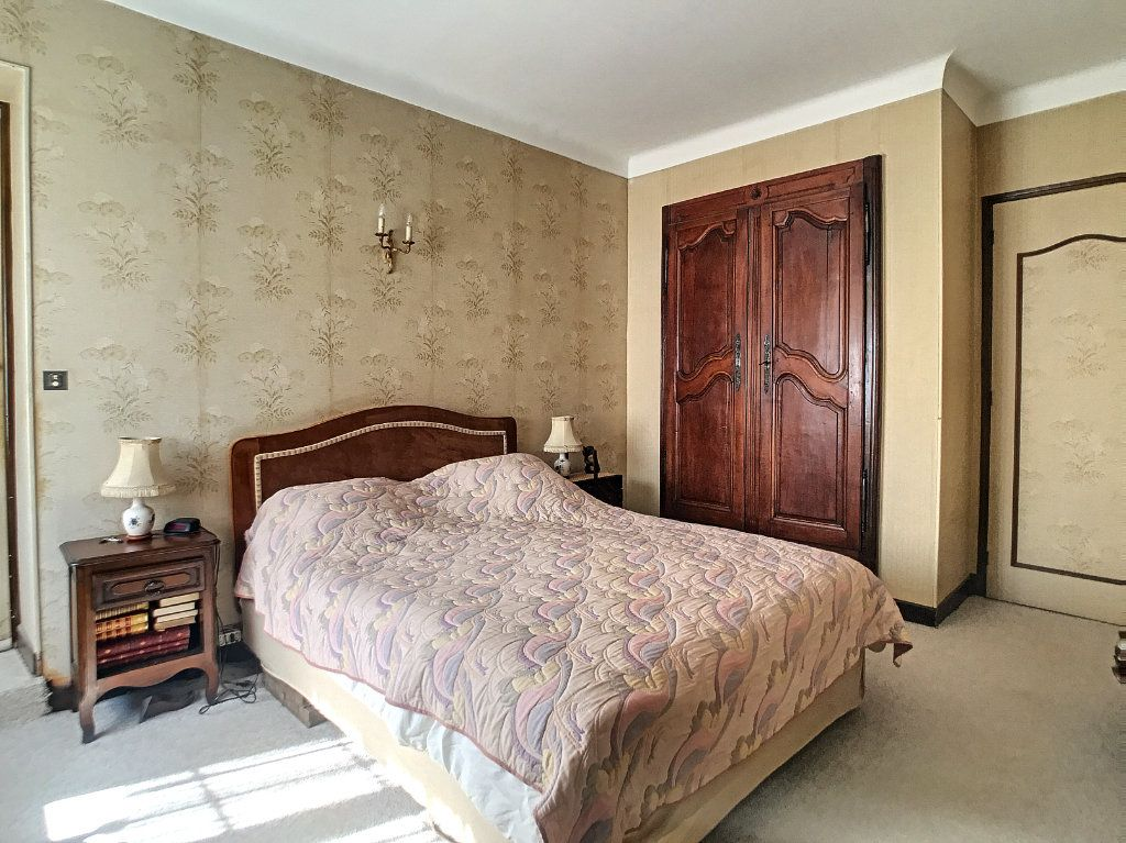 Maison à vendre 5 100m2 à Villeneuve-Loubet vignette-8