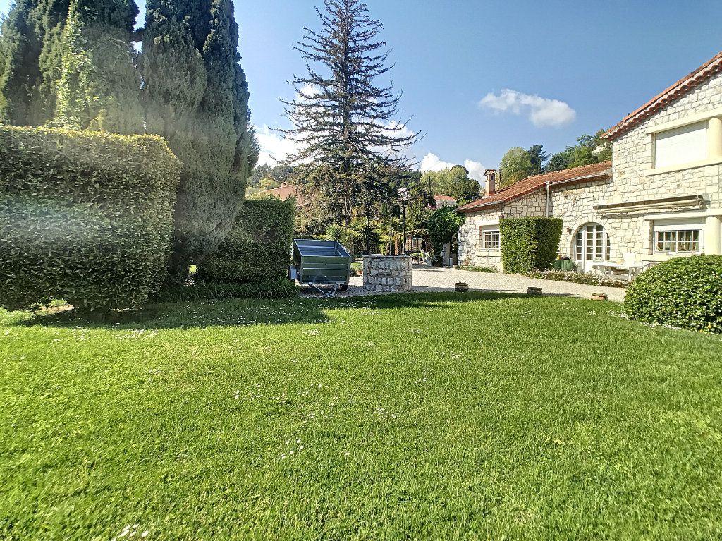 Maison à vendre 5 100m2 à Villeneuve-Loubet vignette-9