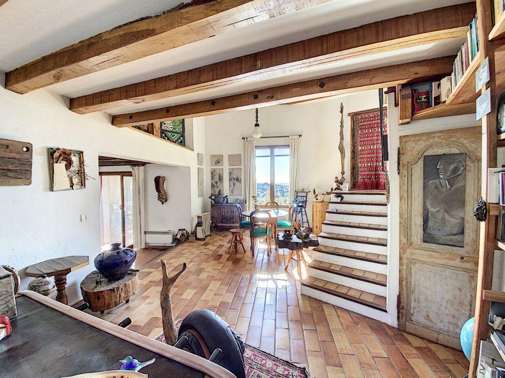 Maison à vendre 9 220m2 à Cagnes-sur-Mer vignette-10