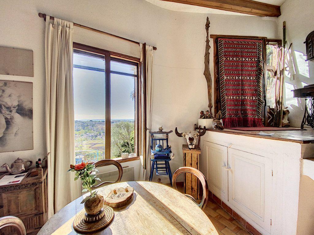Maison à vendre 9 220m2 à Cagnes-sur-Mer vignette-11