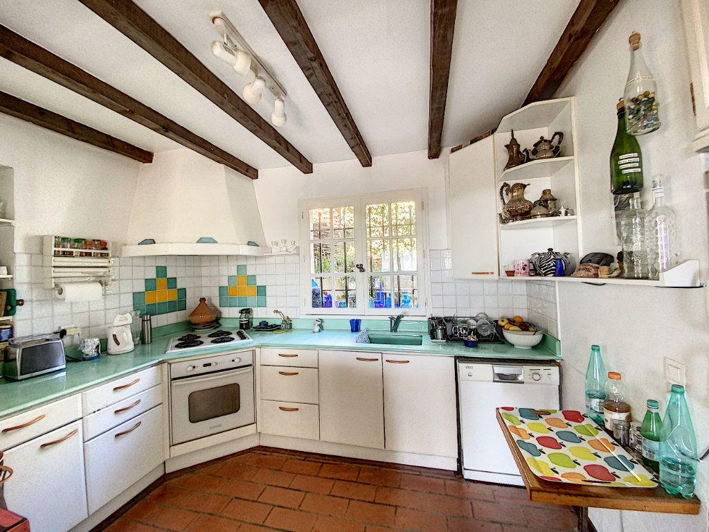 Maison à vendre 9 220m2 à Cagnes-sur-Mer vignette-16