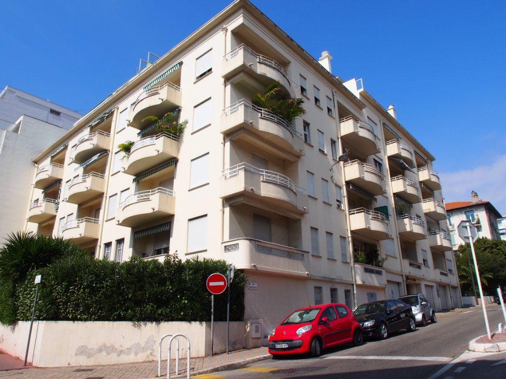 Appartement à vendre 2 45m2 à Cannes vignette-1