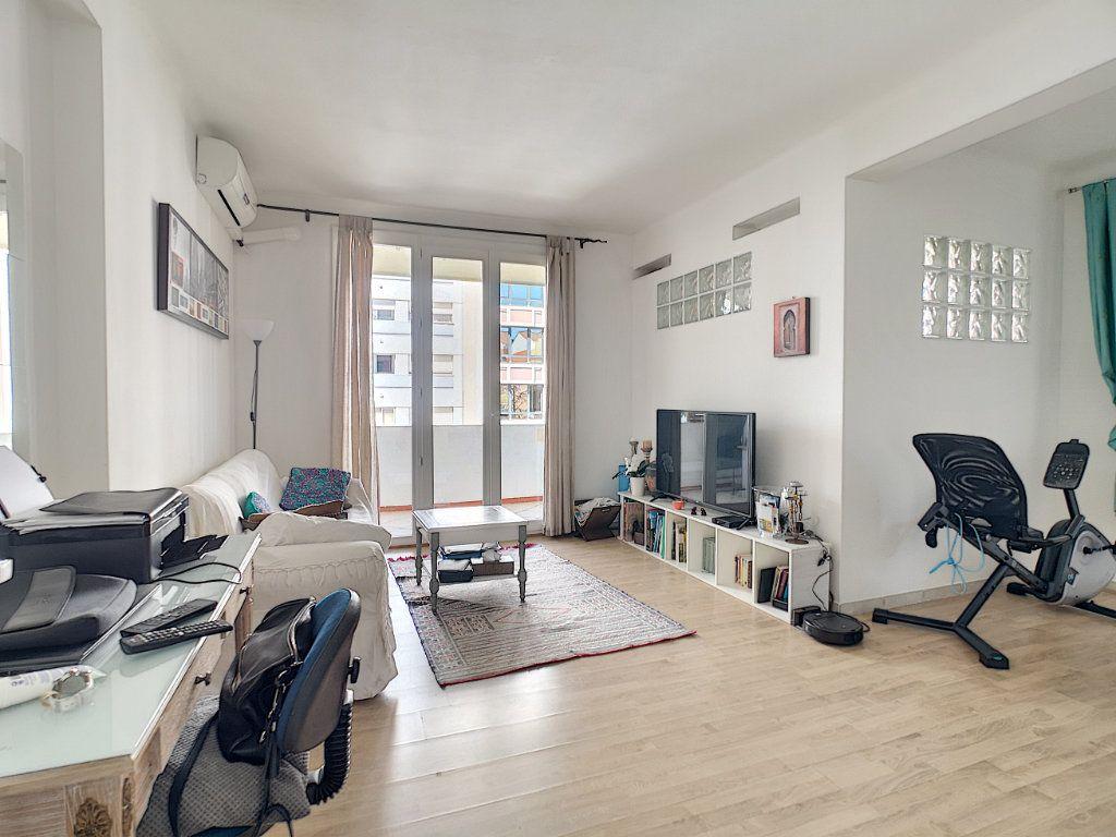 Appartement à vendre 2 45m2 à Cannes vignette-3