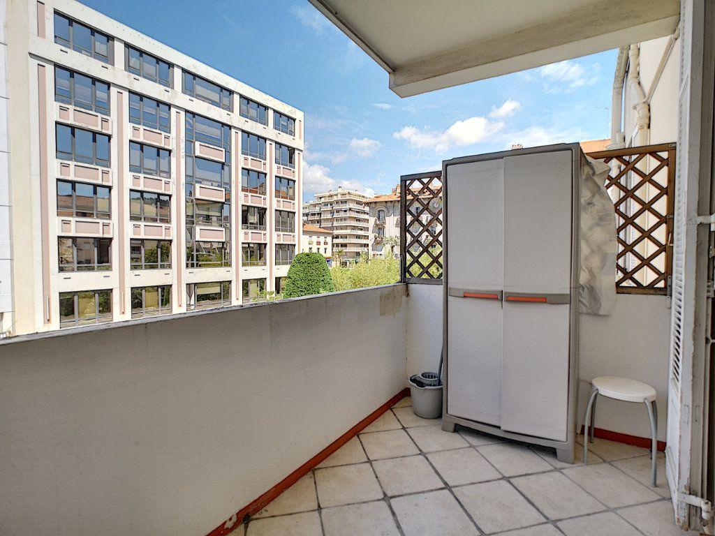 Appartement à vendre 2 45m2 à Cannes vignette-4
