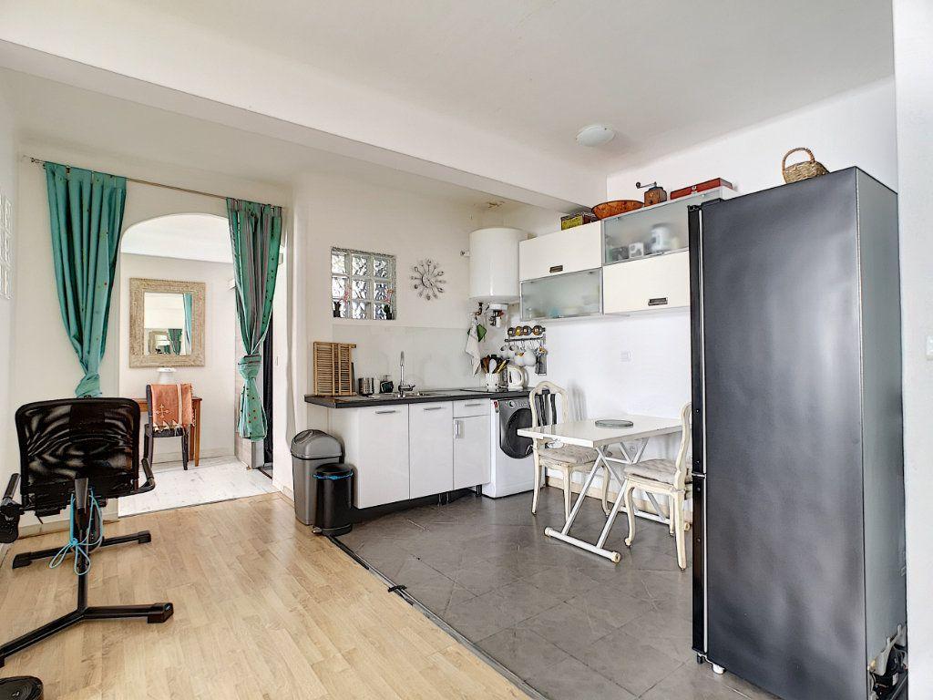 Appartement à vendre 2 45m2 à Cannes vignette-5