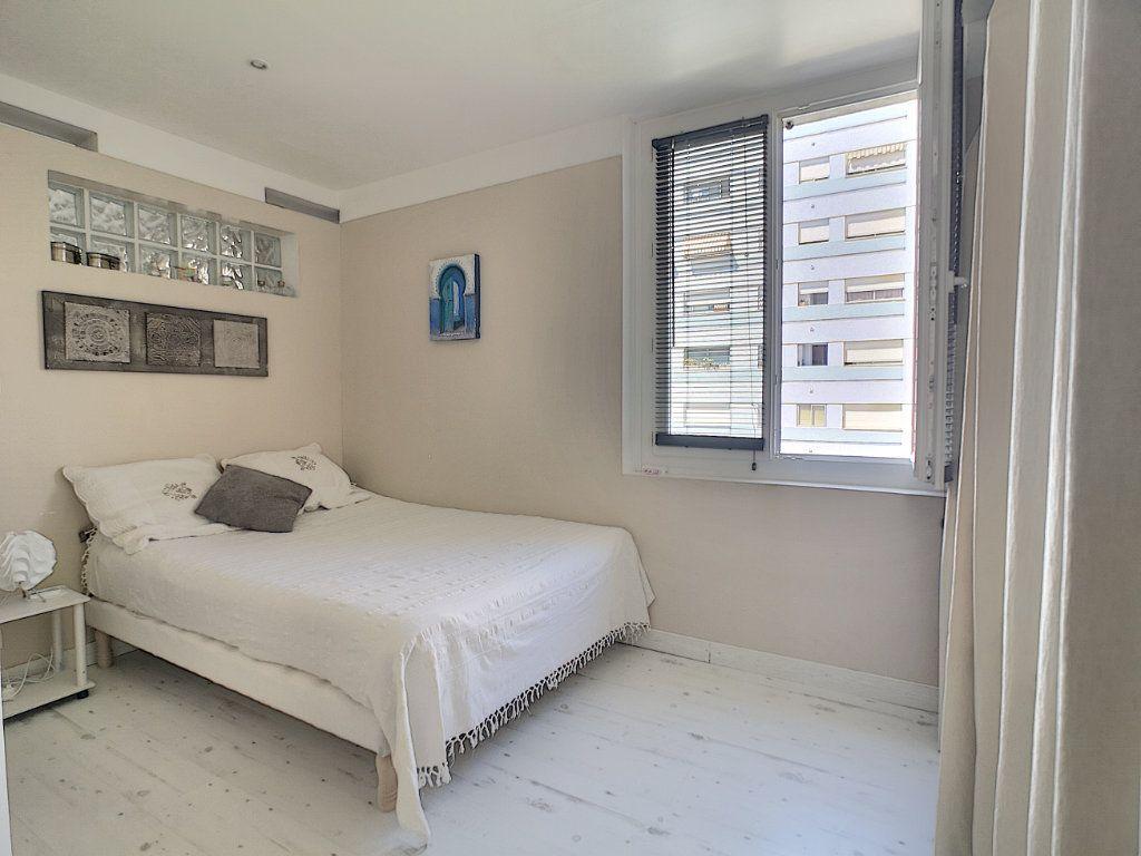 Appartement à vendre 2 45m2 à Cannes vignette-6