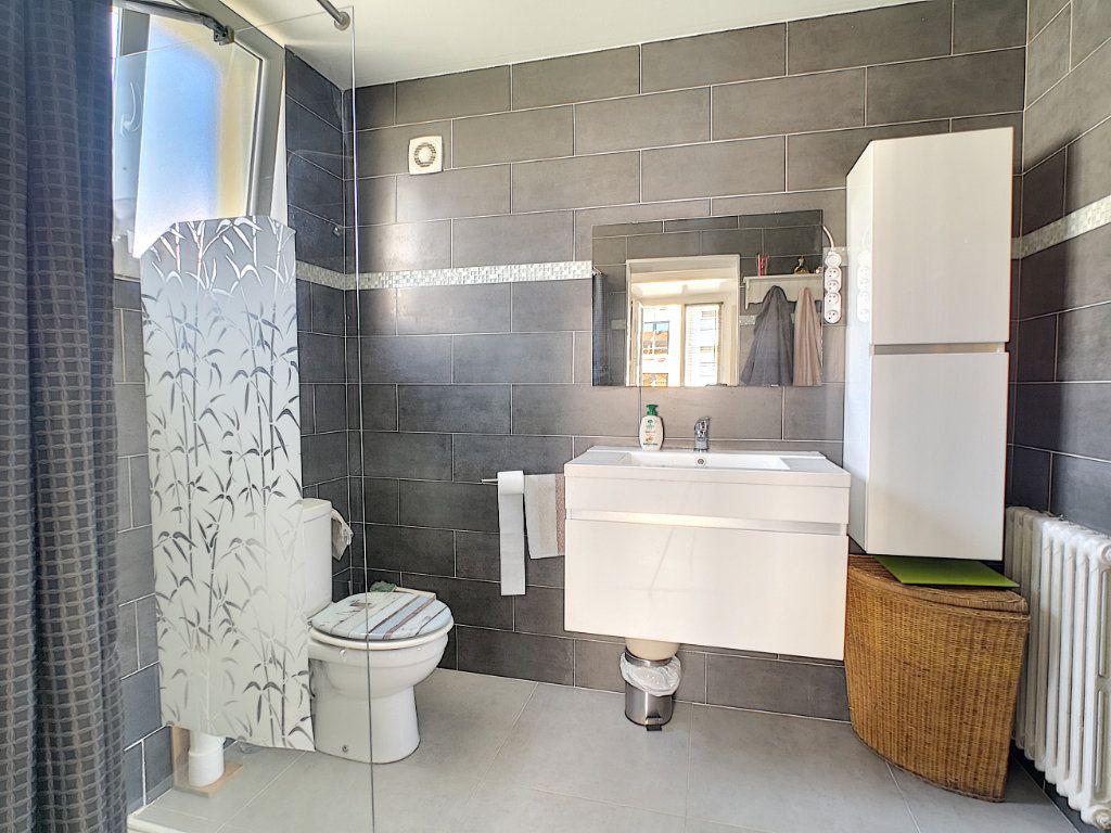 Appartement à vendre 2 45m2 à Cannes vignette-8
