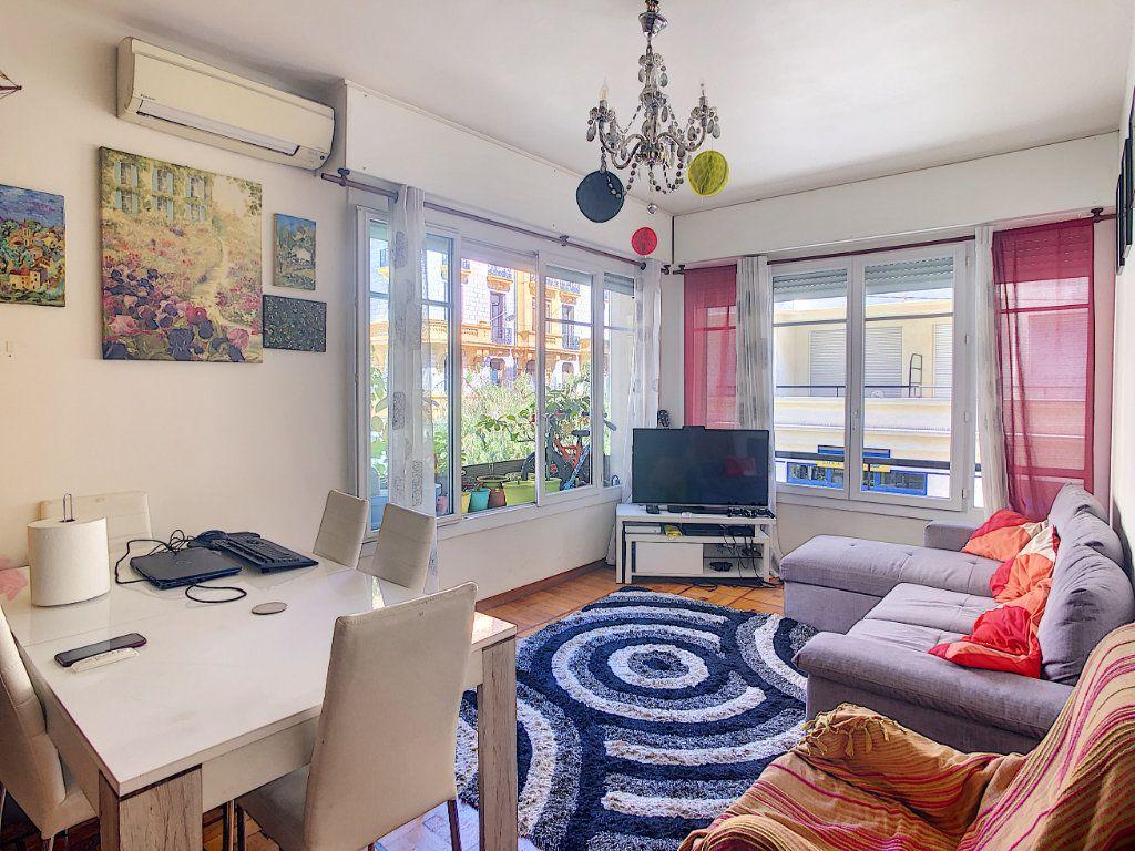 Appartement à vendre 2 43m2 à Nice vignette-1