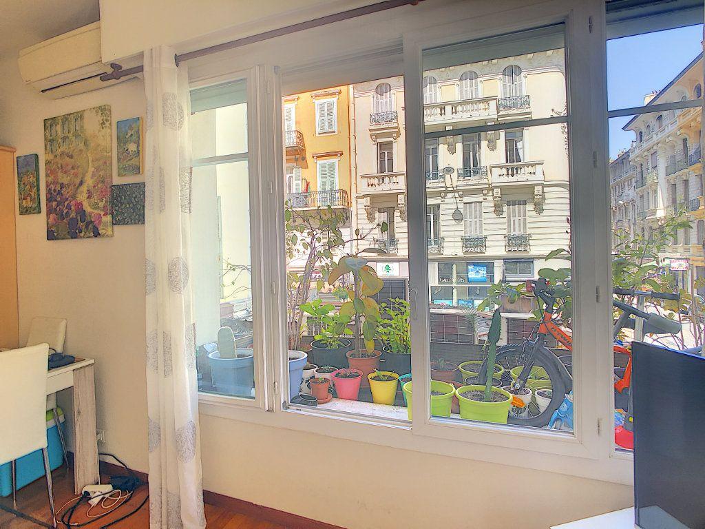 Appartement à vendre 2 43m2 à Nice vignette-3