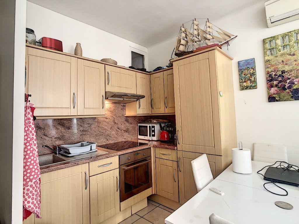 Appartement à vendre 2 43m2 à Nice vignette-6