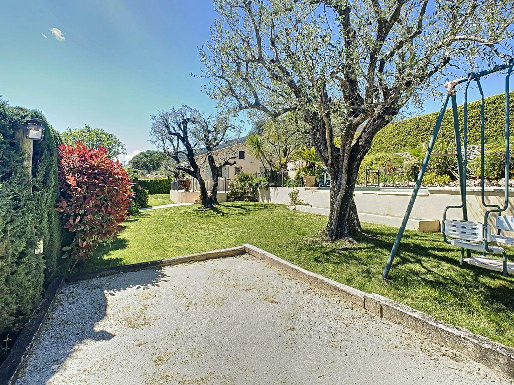 Maison à vendre 6 131.52m2 à Tourrettes-sur-Loup vignette-6