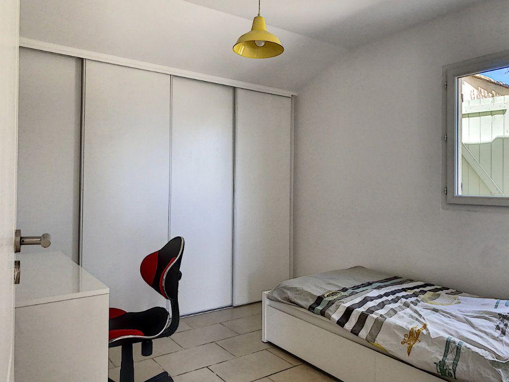 Maison à vendre 6 131.52m2 à Tourrettes-sur-Loup vignette-13