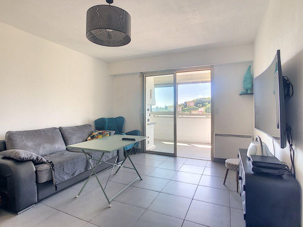 Appartement à vendre 2 42m2 à Villeneuve-Loubet vignette-2