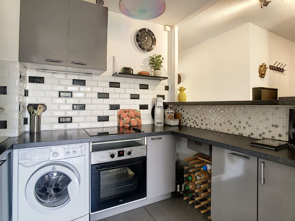 Appartement à vendre 2 42m2 à Villeneuve-Loubet vignette-3