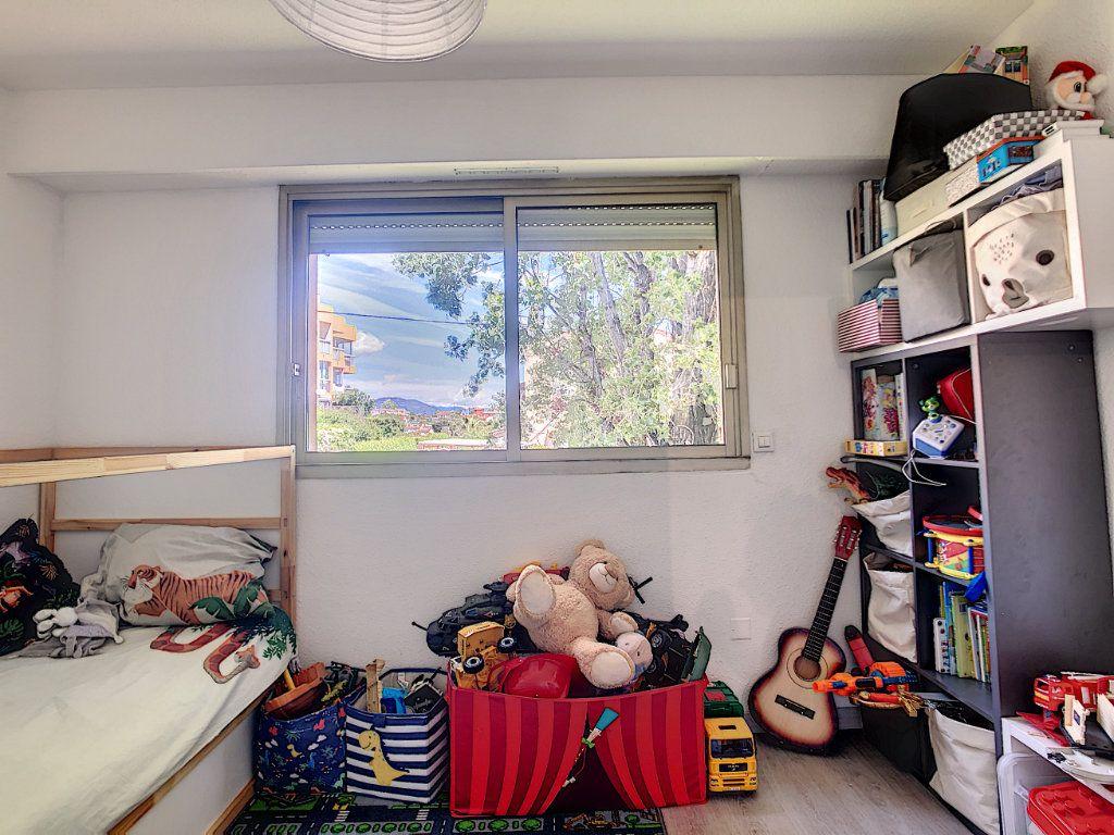 Appartement à vendre 2 42m2 à Villeneuve-Loubet vignette-6