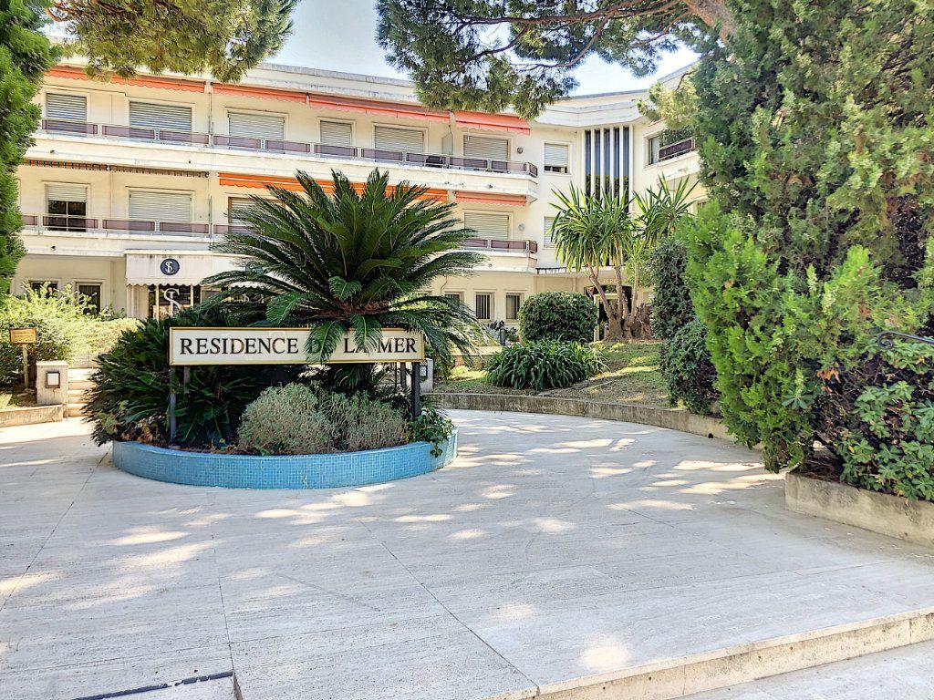 Appartement à vendre 1 34.32m2 à Villeneuve-Loubet vignette-2
