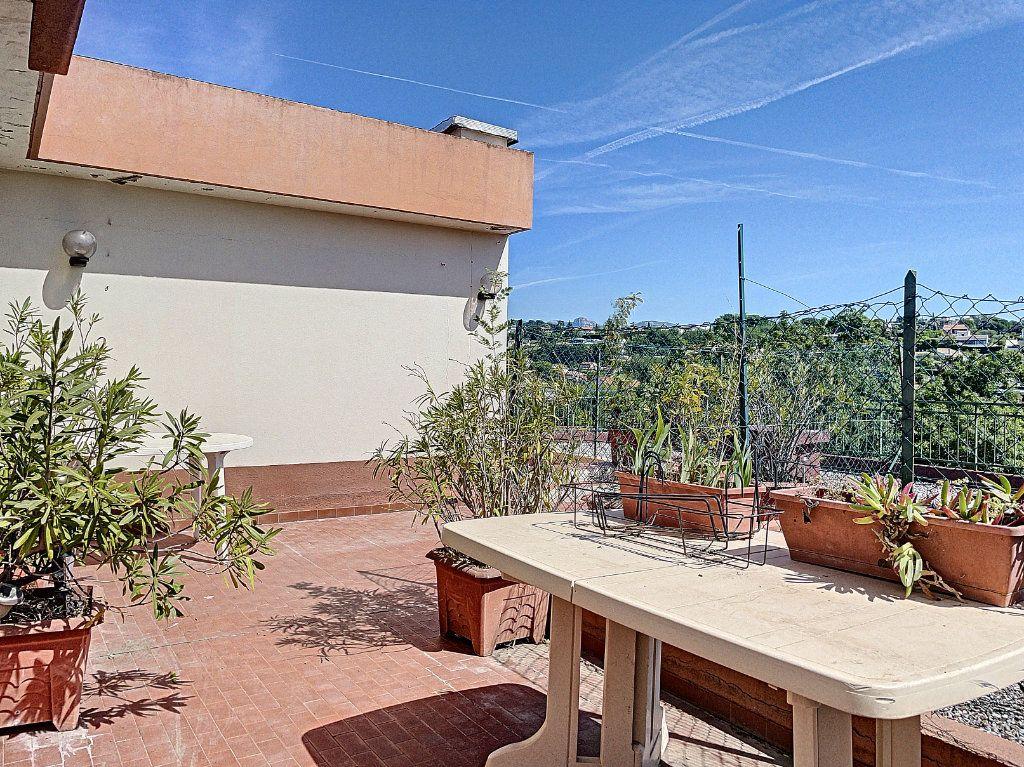 Appartement à vendre 4 91m2 à Cagnes-sur-Mer vignette-3
