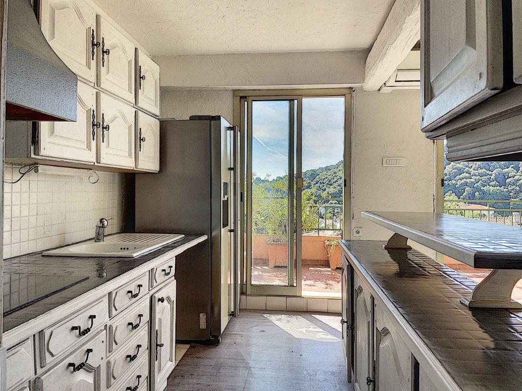Appartement à vendre 4 91m2 à Cagnes-sur-Mer vignette-4