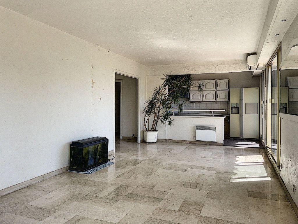 Appartement à vendre 4 91m2 à Cagnes-sur-Mer vignette-7