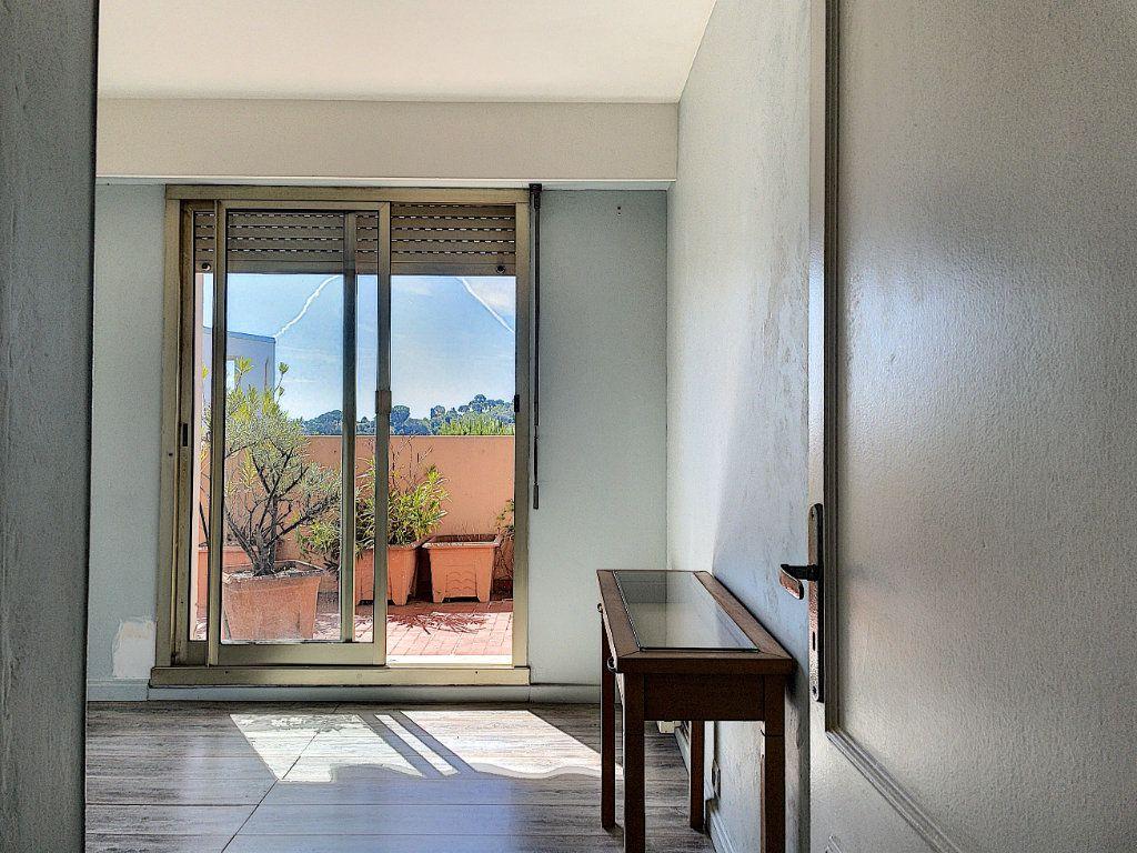 Appartement à vendre 4 91m2 à Cagnes-sur-Mer vignette-12