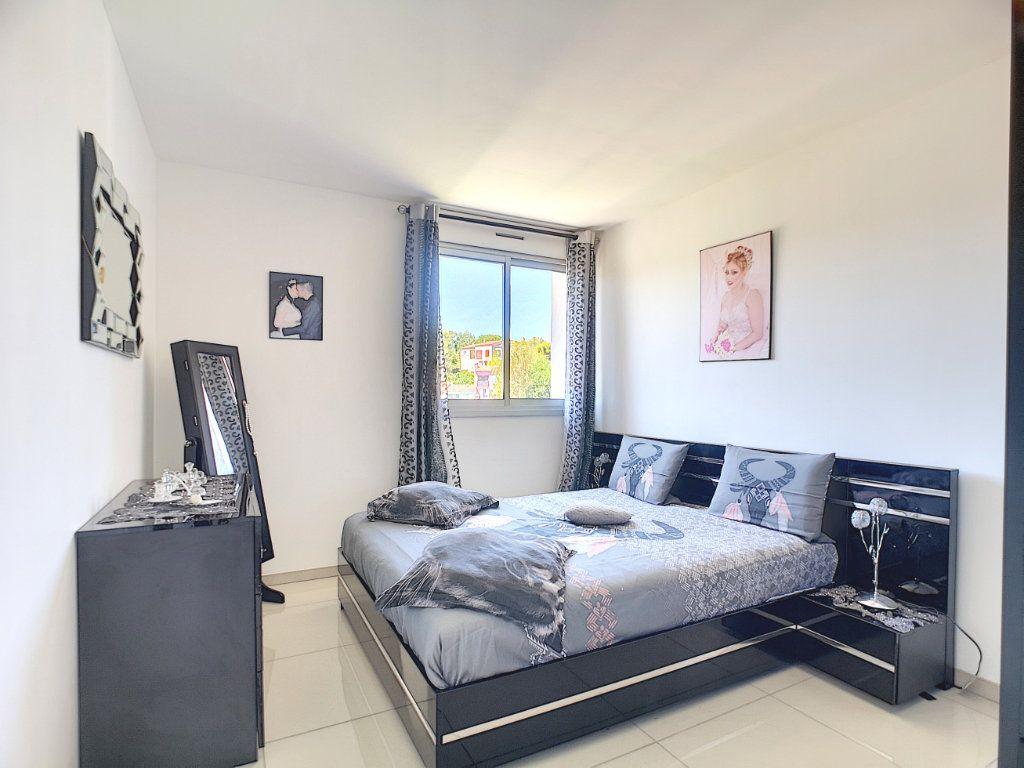 Appartement à vendre 3 63.15m2 à Villeneuve-Loubet vignette-6