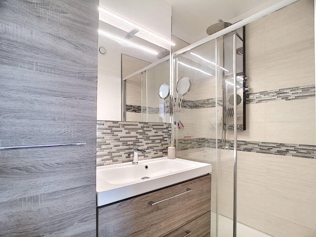 Appartement à vendre 3 63.15m2 à Villeneuve-Loubet vignette-8