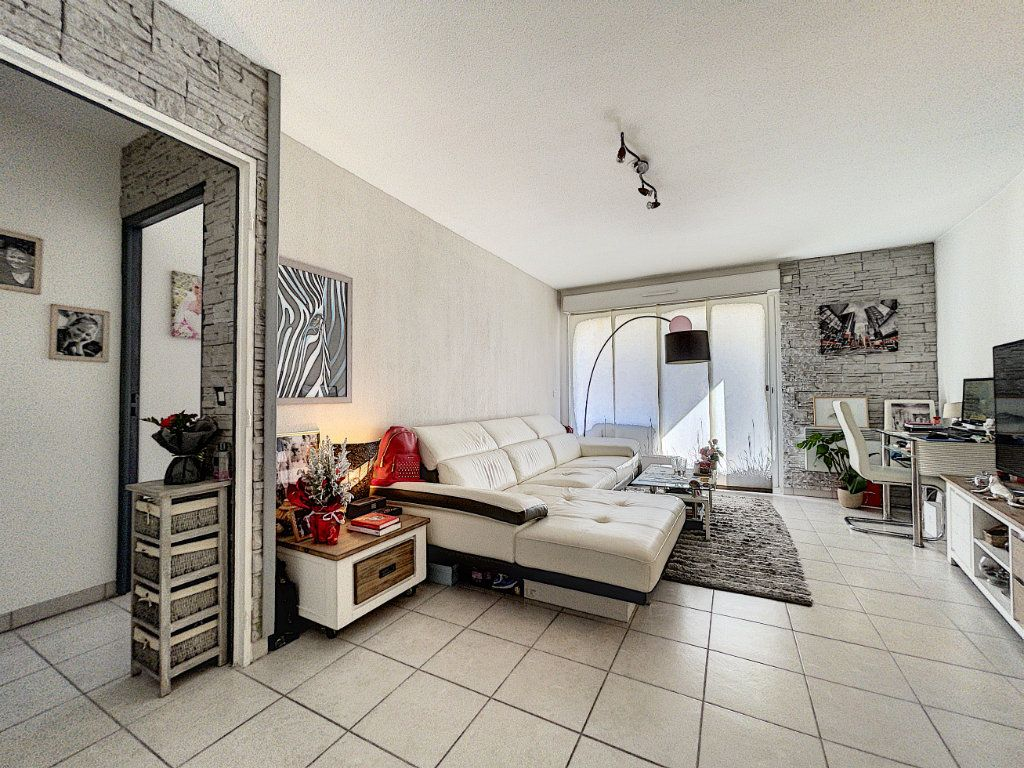 Appartement à vendre 2 41.66m2 à Cagnes-sur-Mer vignette-2