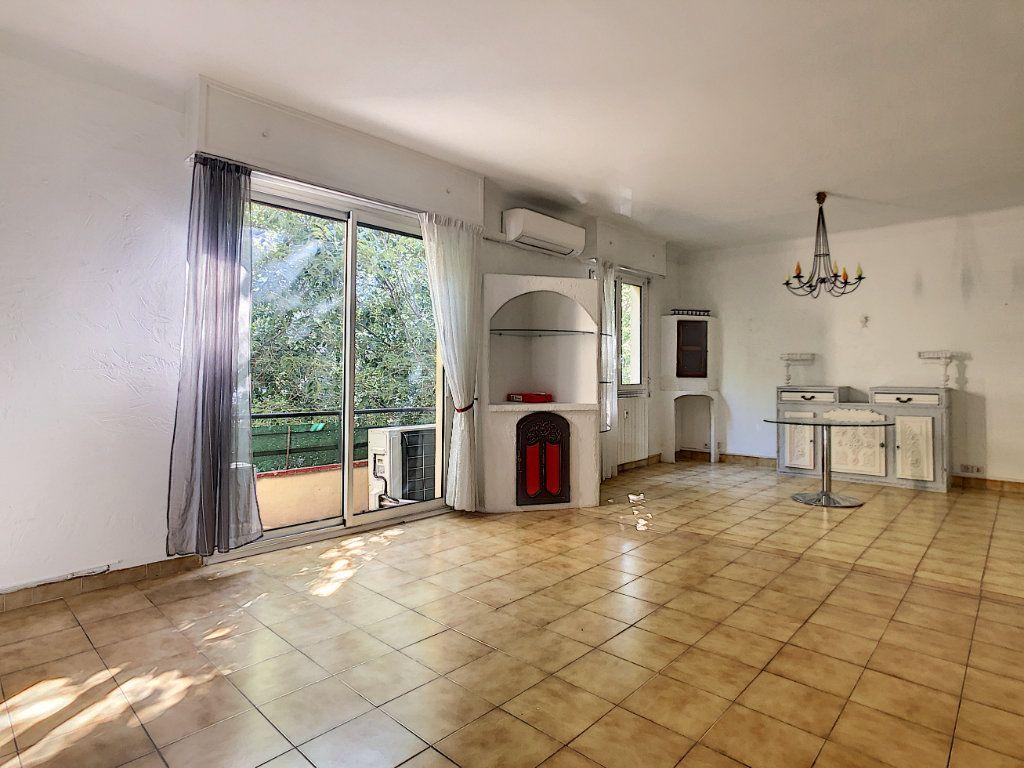 Appartement à vendre 2 72m2 à Antibes vignette-2
