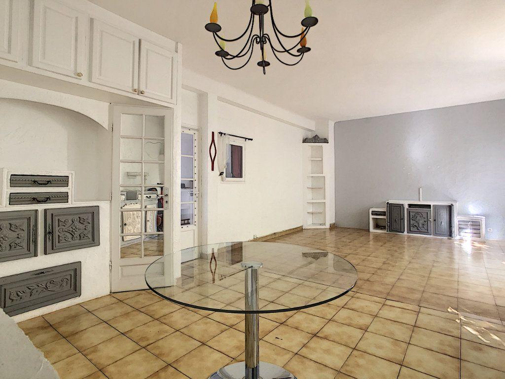 Appartement à vendre 2 72m2 à Antibes vignette-5
