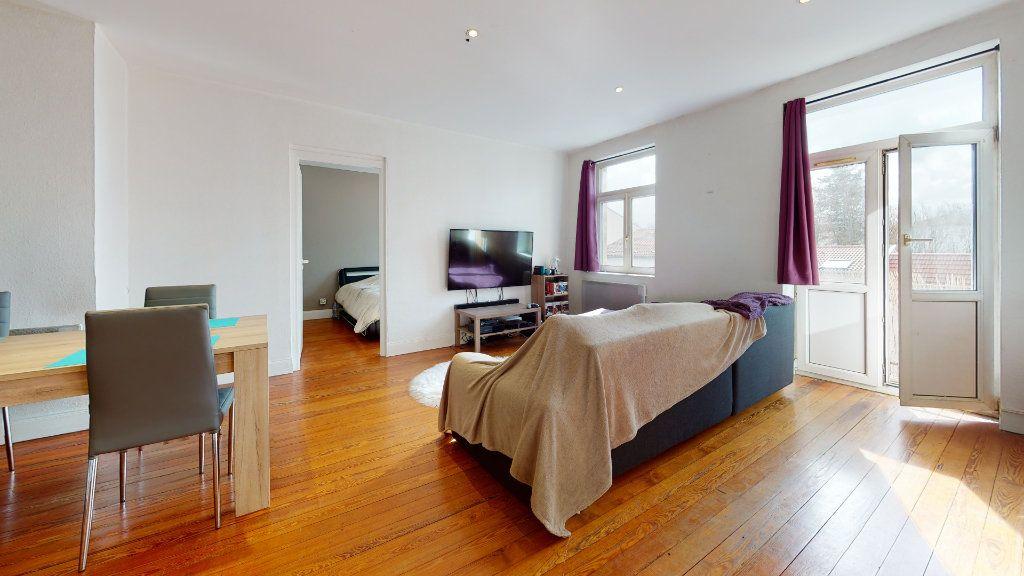 Appartement à louer 2 54.54m2 à Moulins-lès-Metz vignette-1