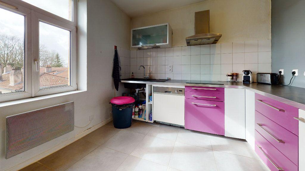 Appartement à louer 2 54.54m2 à Moulins-lès-Metz vignette-2