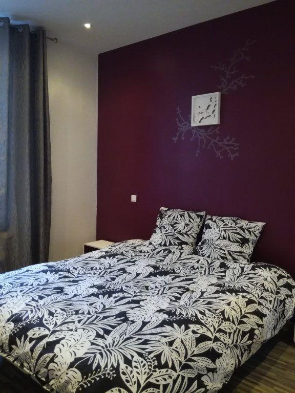 Appartement à louer 2 42m2 à Lyon 8 vignette-4