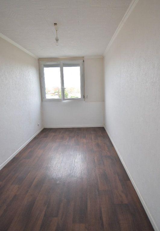 Appartement à louer 4 65.65m2 à Vénissieux vignette-5